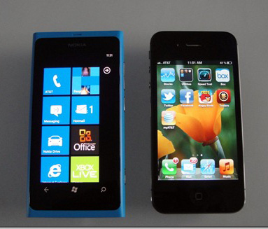 Nokia_Lumia_800_Vs_iPhone_4S