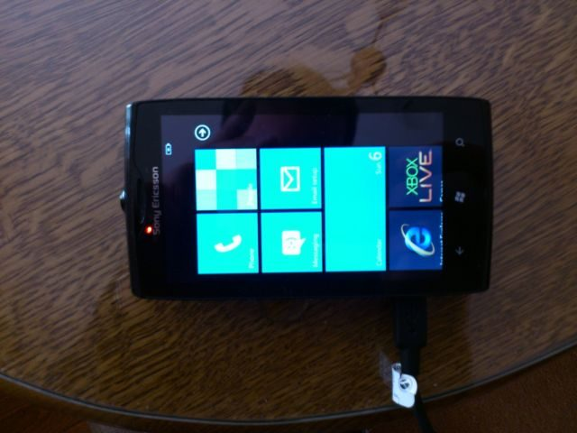 19-Sony-Ericsson-Windows-Phone